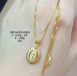 Jewelry - 18K Saudi Gold Necklace with pendant
